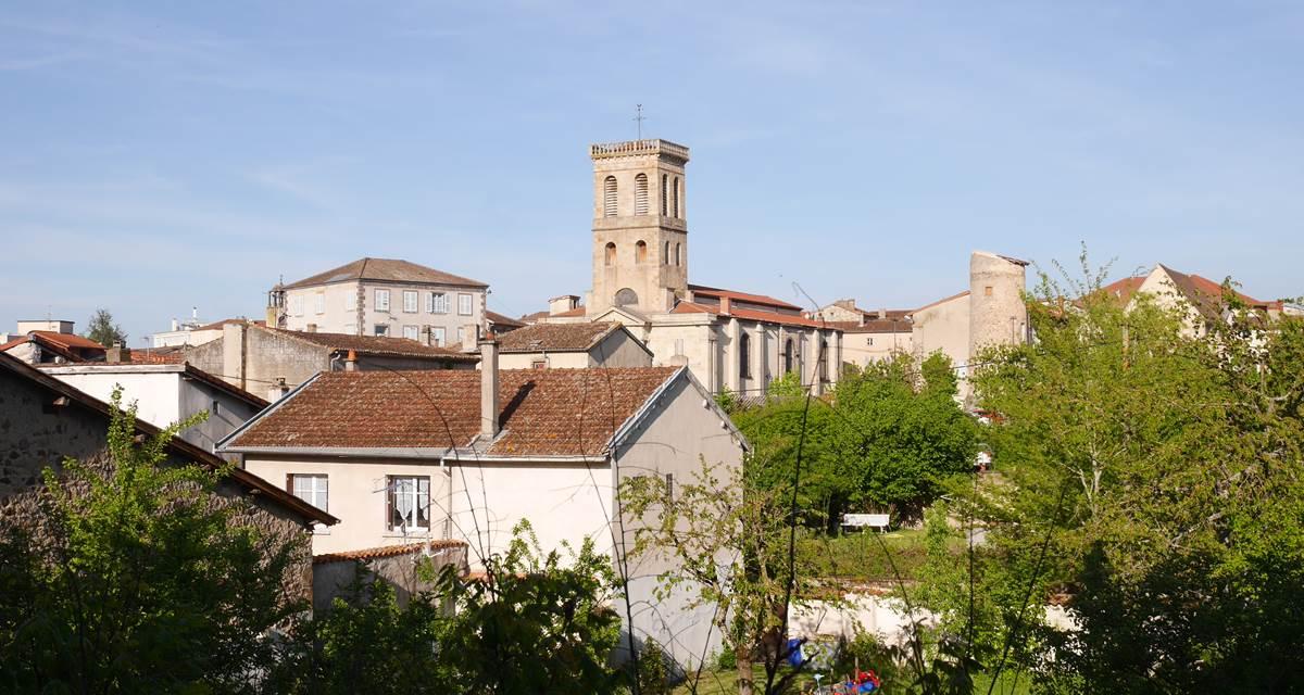 Le village et sa place du marché