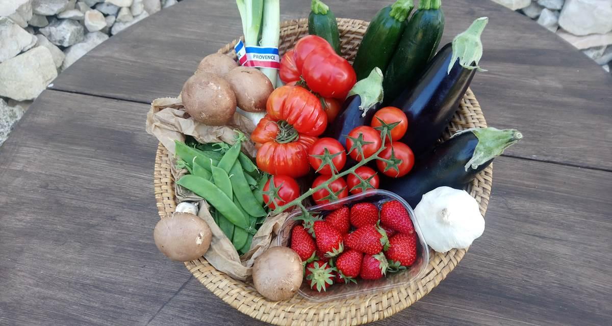 Les repas de la table d'hôtes sont cuisinés maison à partir de produits locaux et de saison