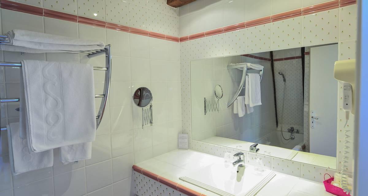 Villa Ric, chambres à Saint-Céré proche Rocamadour, SDB
