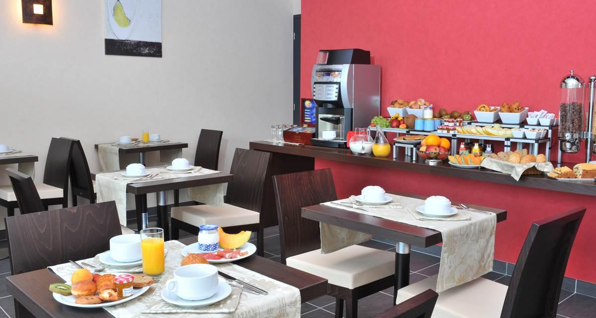 Hotel Eden Park Pau-Bizanos Salle de petit-déjeuner