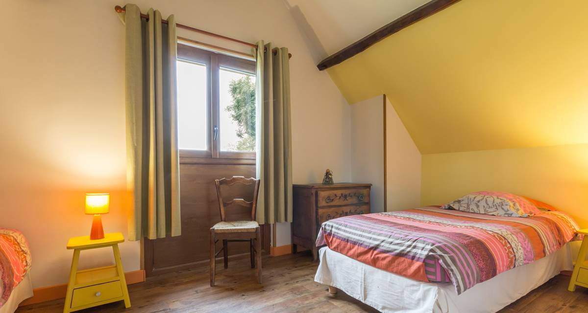 Chambre 2 lits simples  - Gîte du Petit Coq - aux3nidsfleuris