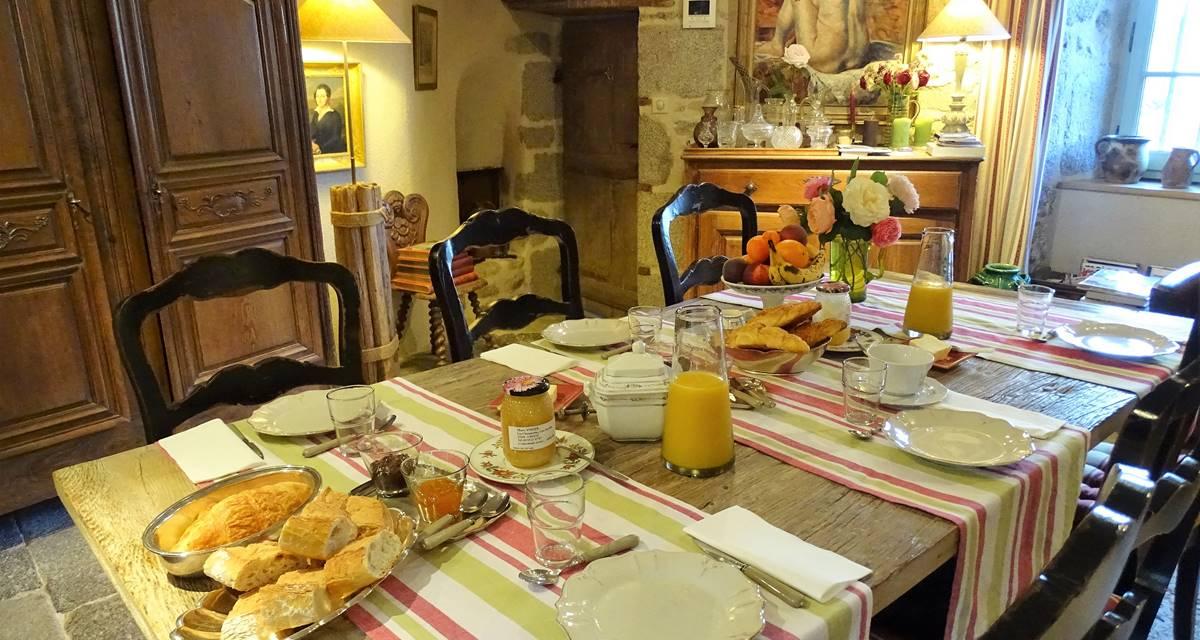Château de Crocq, salle du petit déjeuner.