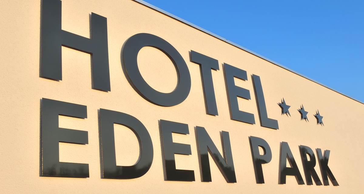 Hotel Eden Park Pau - enseigne entrée hôtel