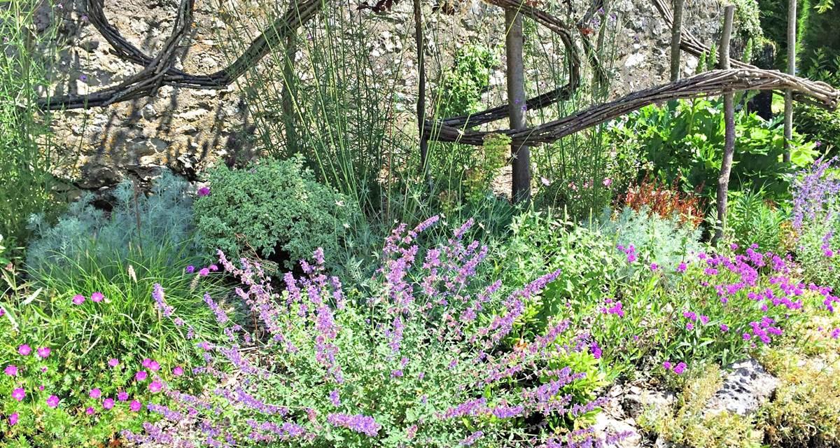 Côté Granges le jardin