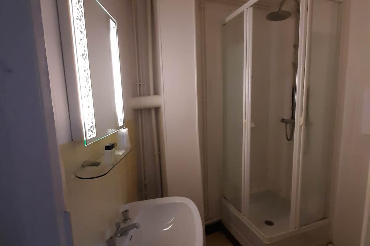 Chambre 4 Salle de bains