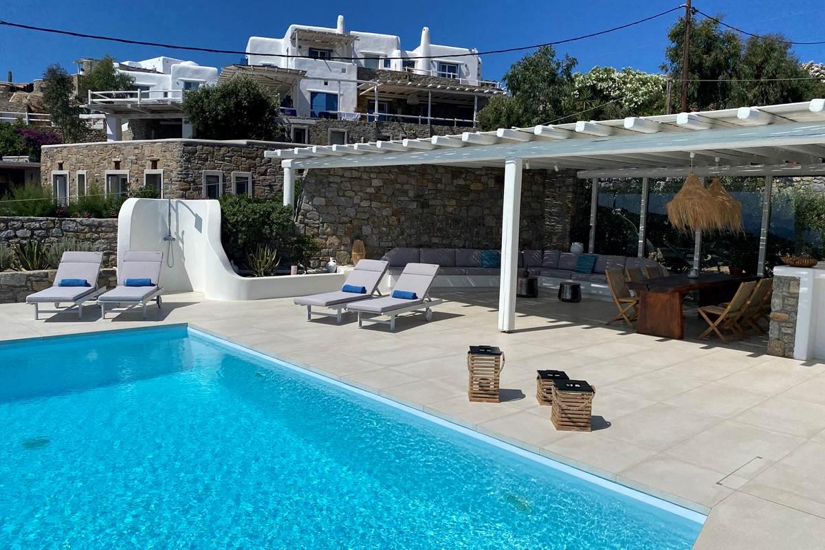 Solarium piscine Villa Zélia Mykonos