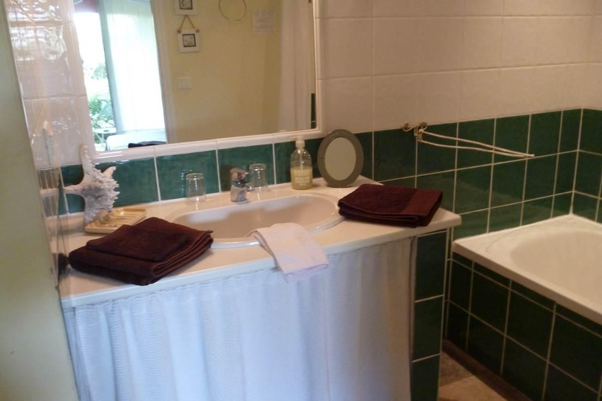 Salle de bain de la chambre Anis