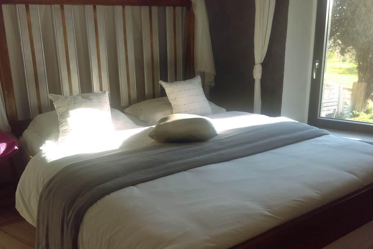 un rayon de soleil s'invite dans votre chambre
