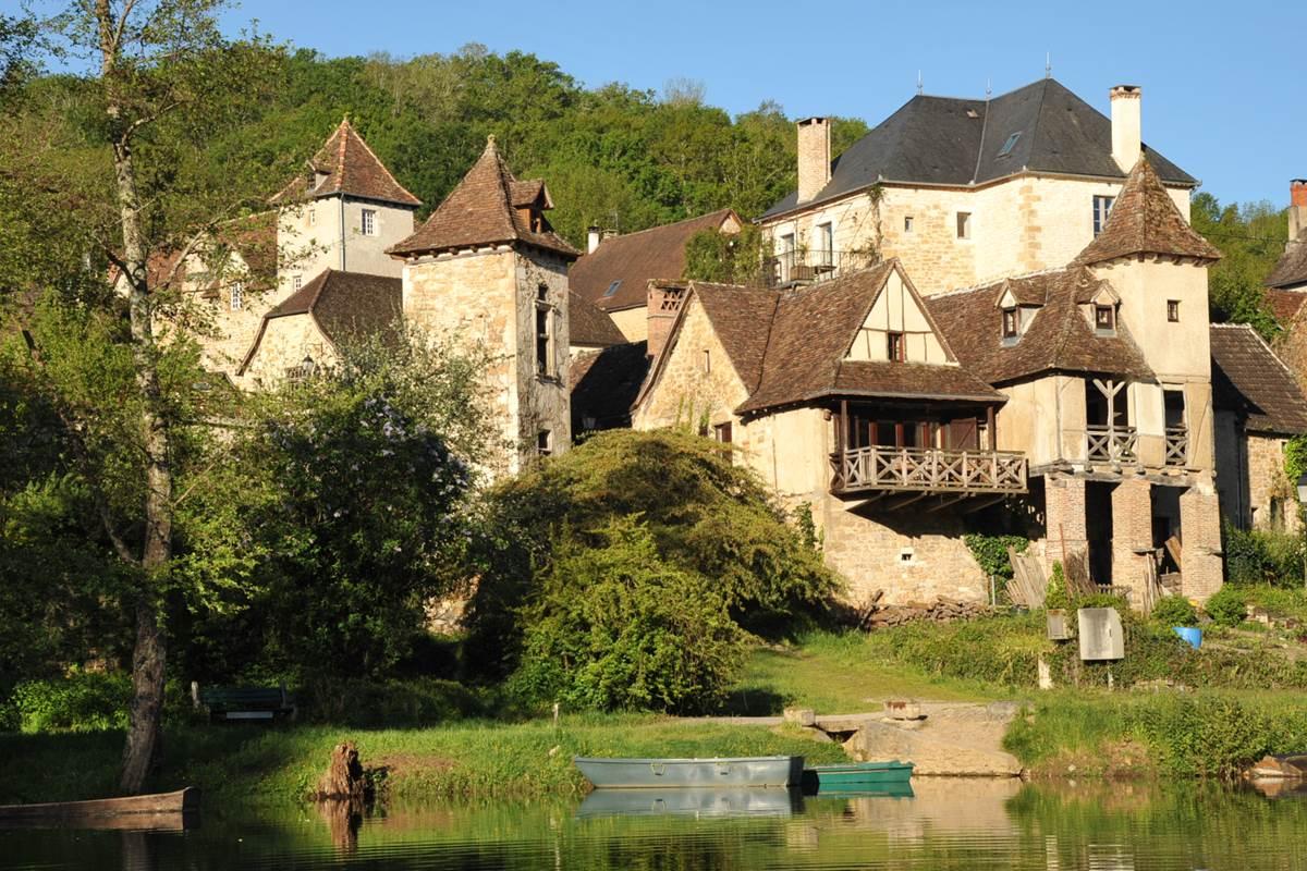 La Loggia et Le Balcon vus de La Dordogne