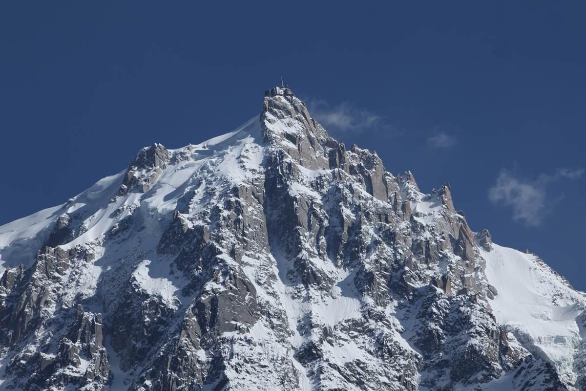 Aiguille du Midi sous la neige (Massif du Mont-Blanc)