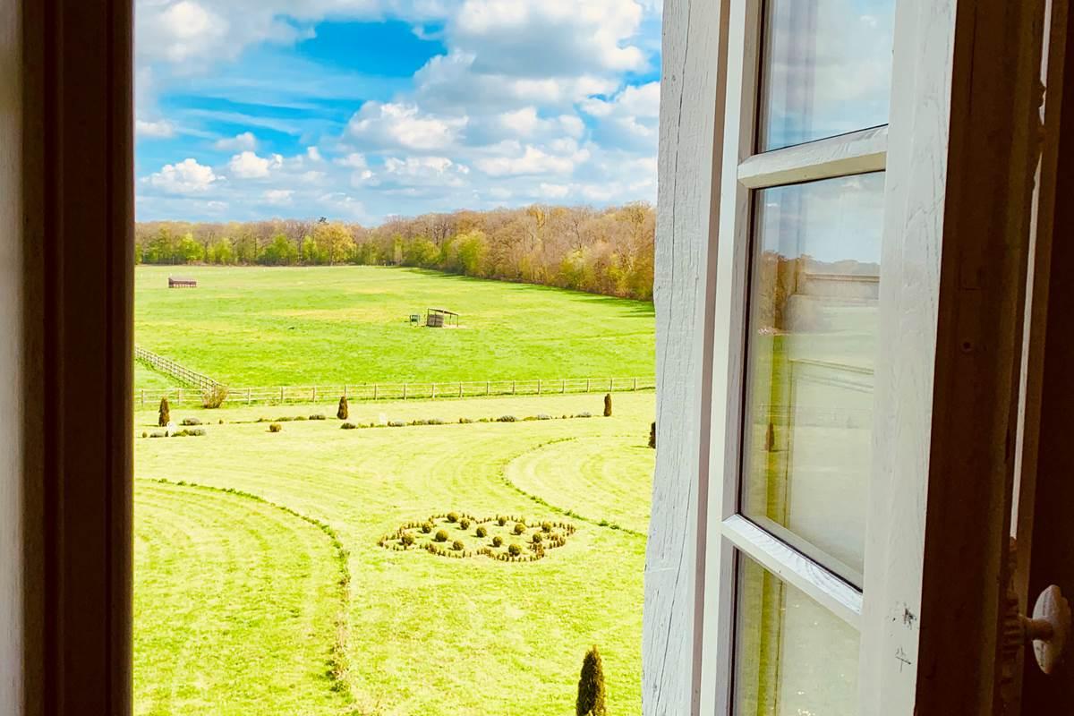 Suite Albert de Balleroy vue de la fenêtre