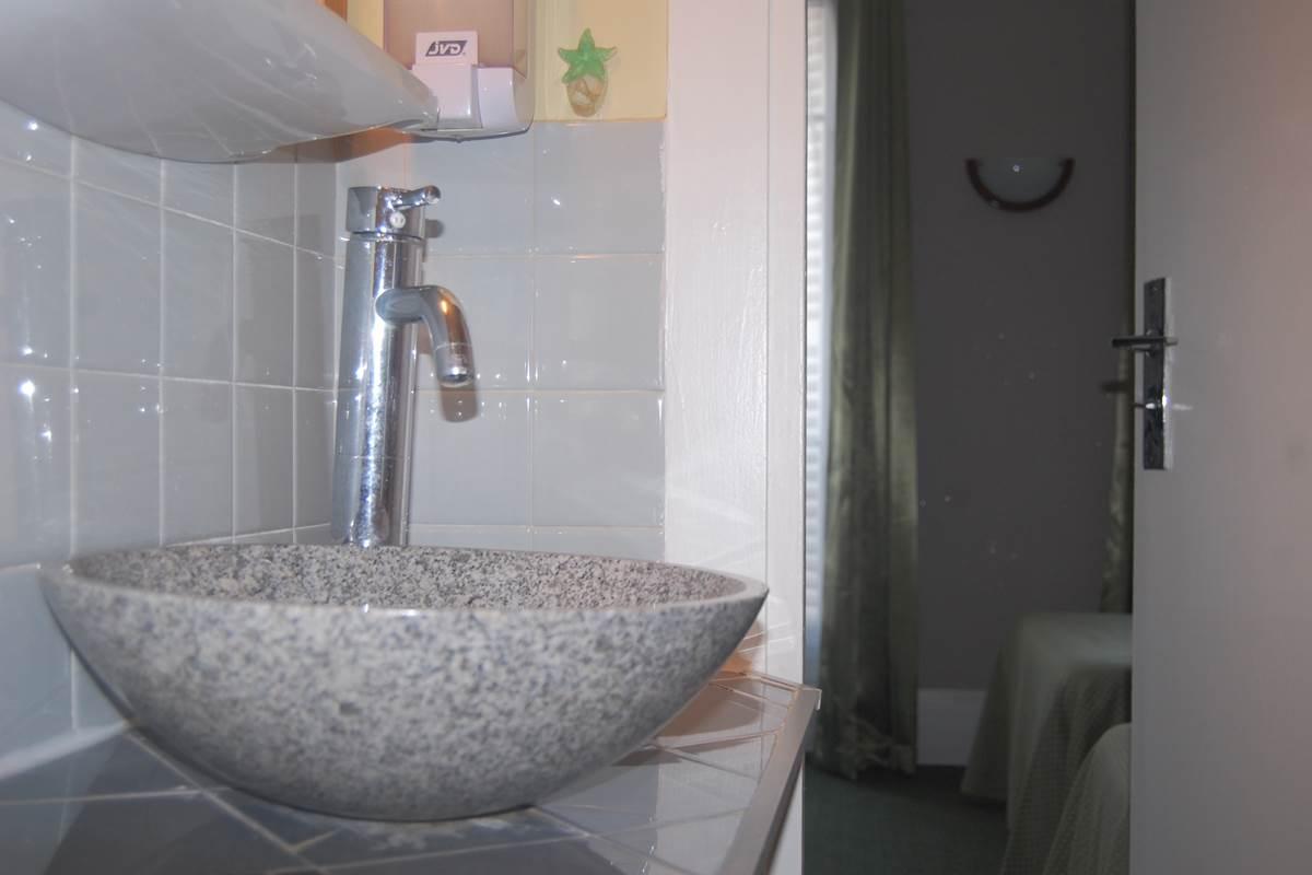 Salle de bain HJB quartier latin proche rue d'assas rue vaugirard rue madame