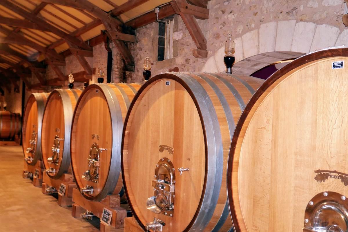 Le chai d_élevage du Château de Chambert Lot Tourisme - C