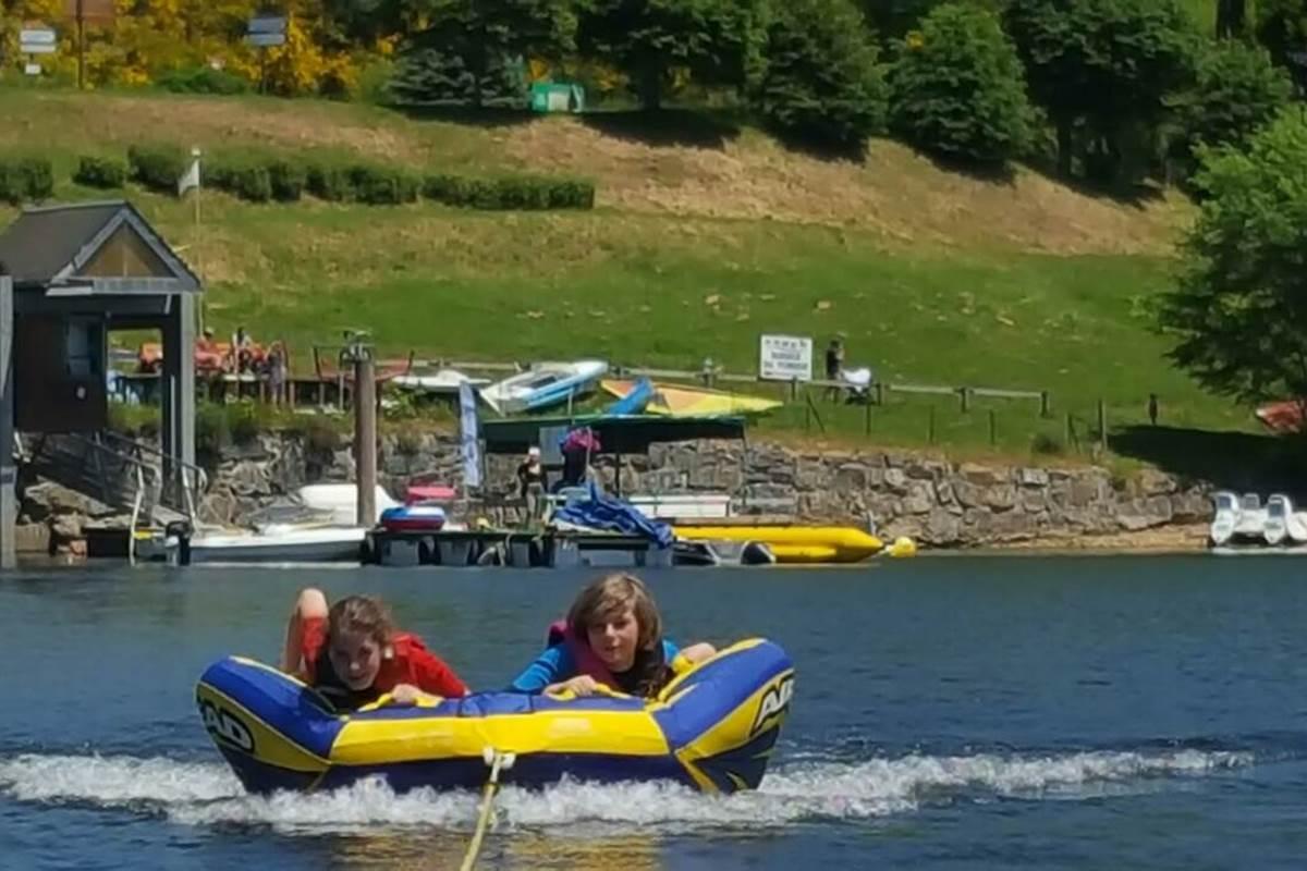 Lac à 3 kms pour la baignade et les activités nautiques