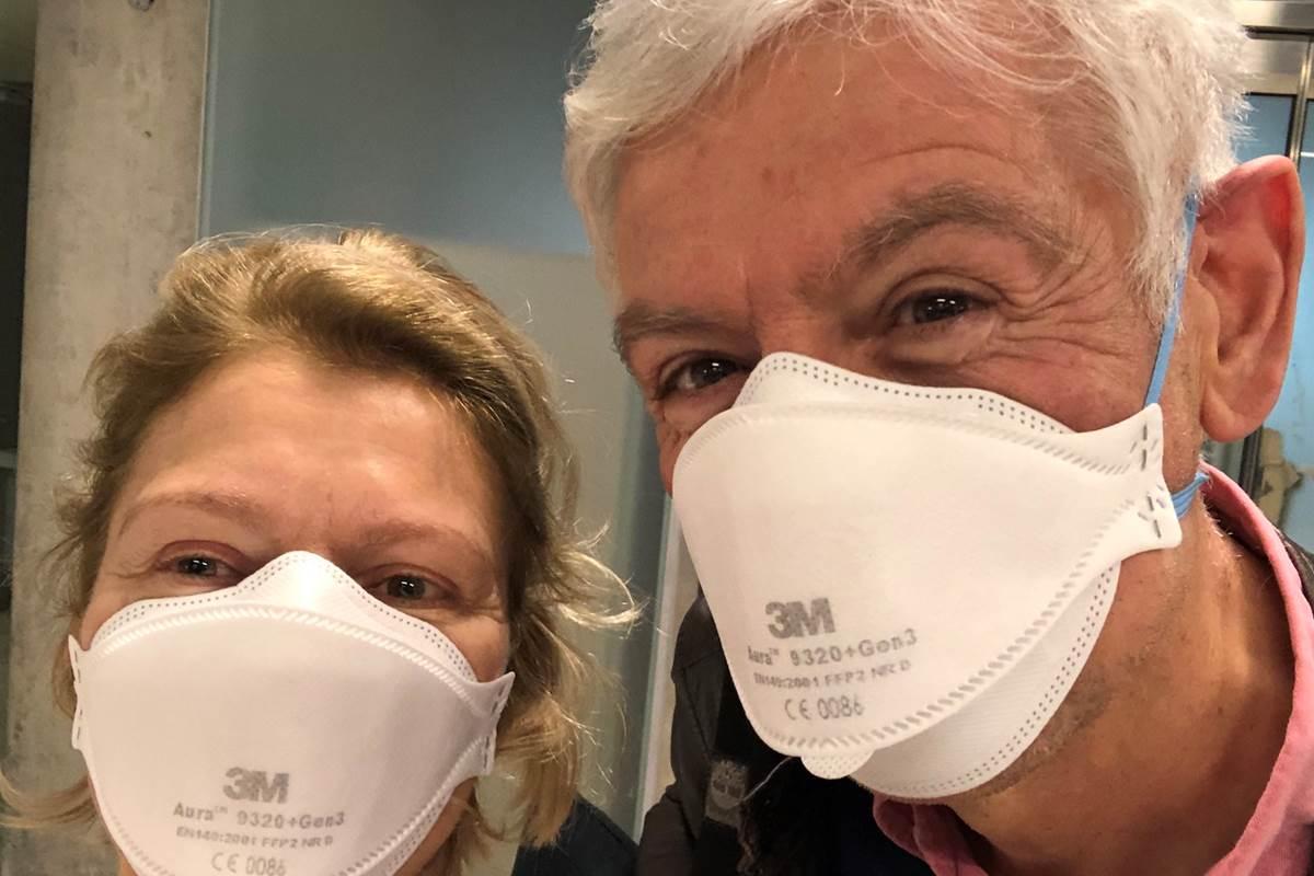 Nathalie et Bernard masqués