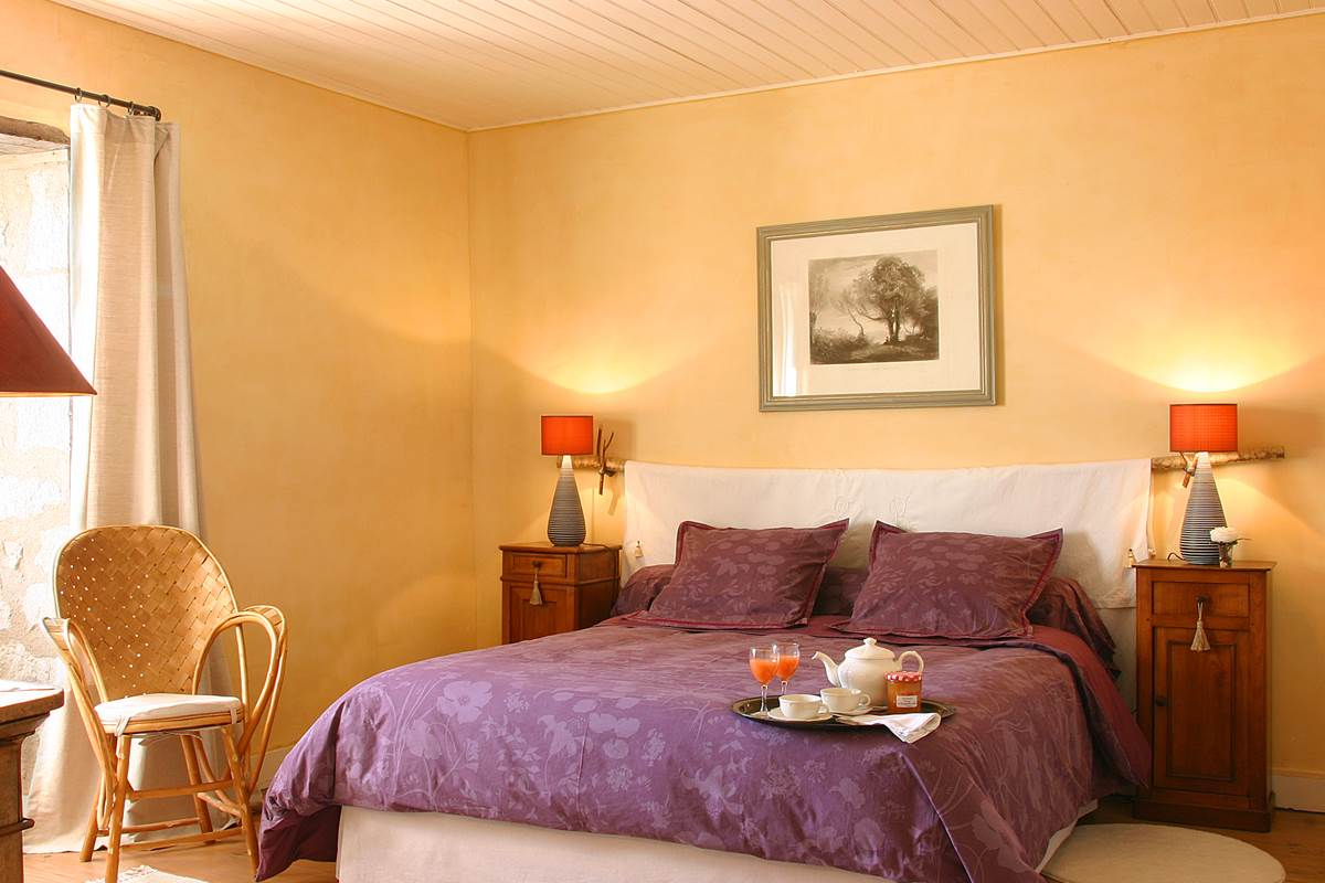 Chambre double, plein sud et baignée de soleil