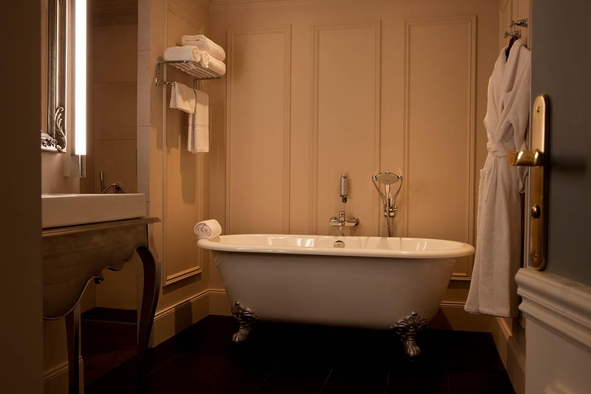 Suite Duplex - Salle de bain - Hôtel L'Ermitage Mont Saint Michel