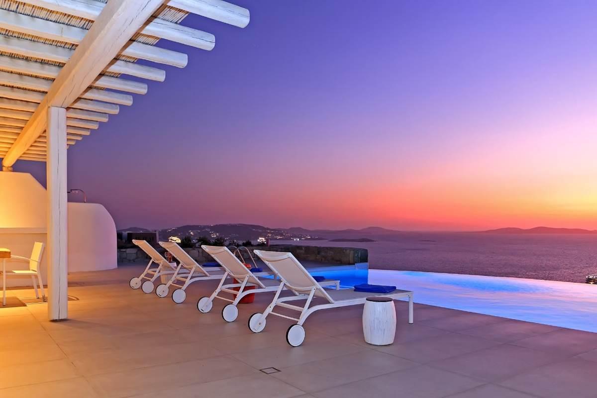 Terrasse coucher de soleil villa zélia luxe Mykonos