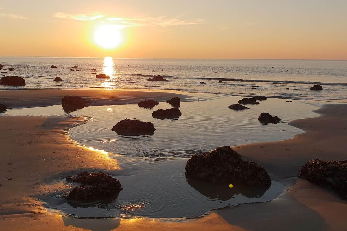Coucher de soleil - Falaises des Roches Noires - Basse mer
