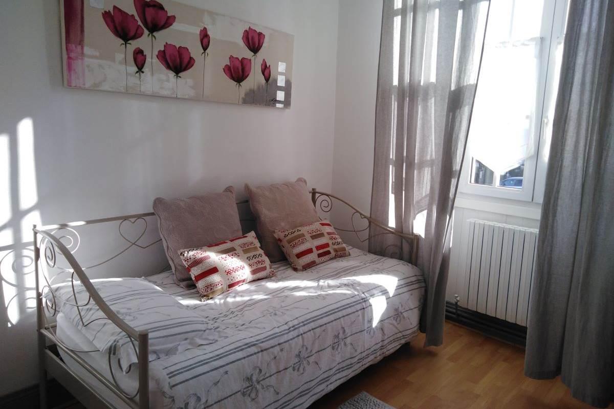 Coin salon ou Canapé lit chambre ODILE