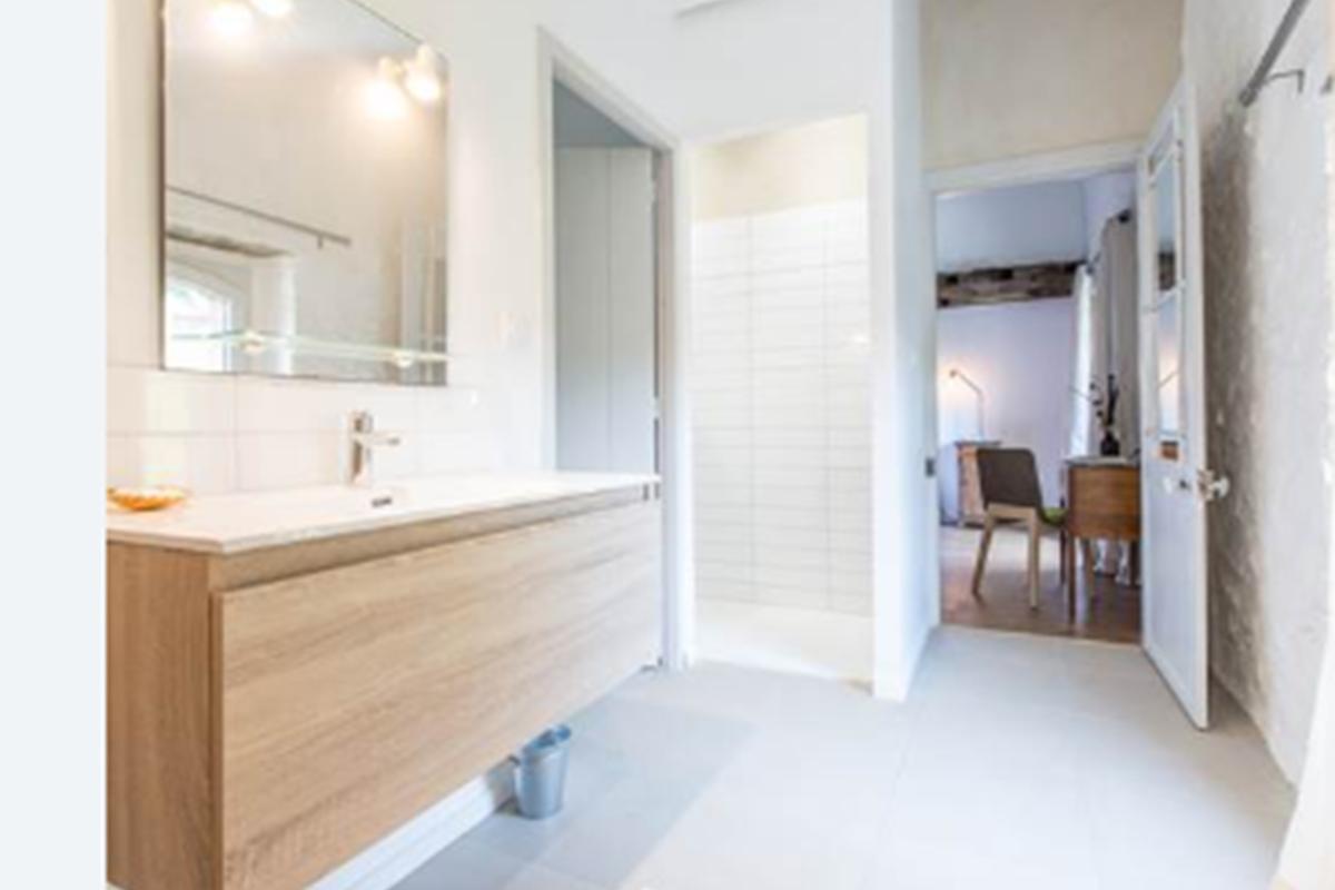 Chambre bi salle de bain