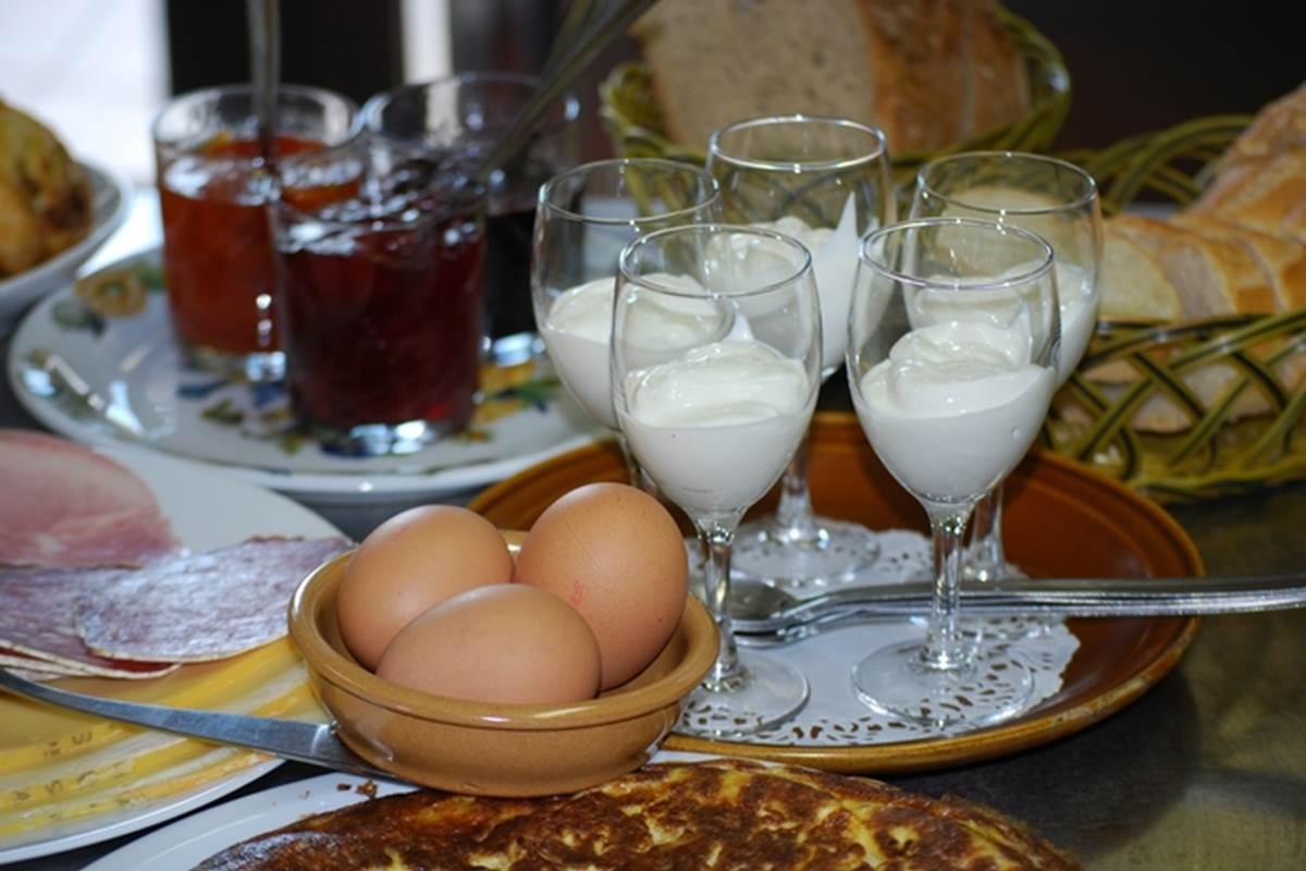 Petit déjeuner campagnard, gourmand au Ranch des Lacs 87120