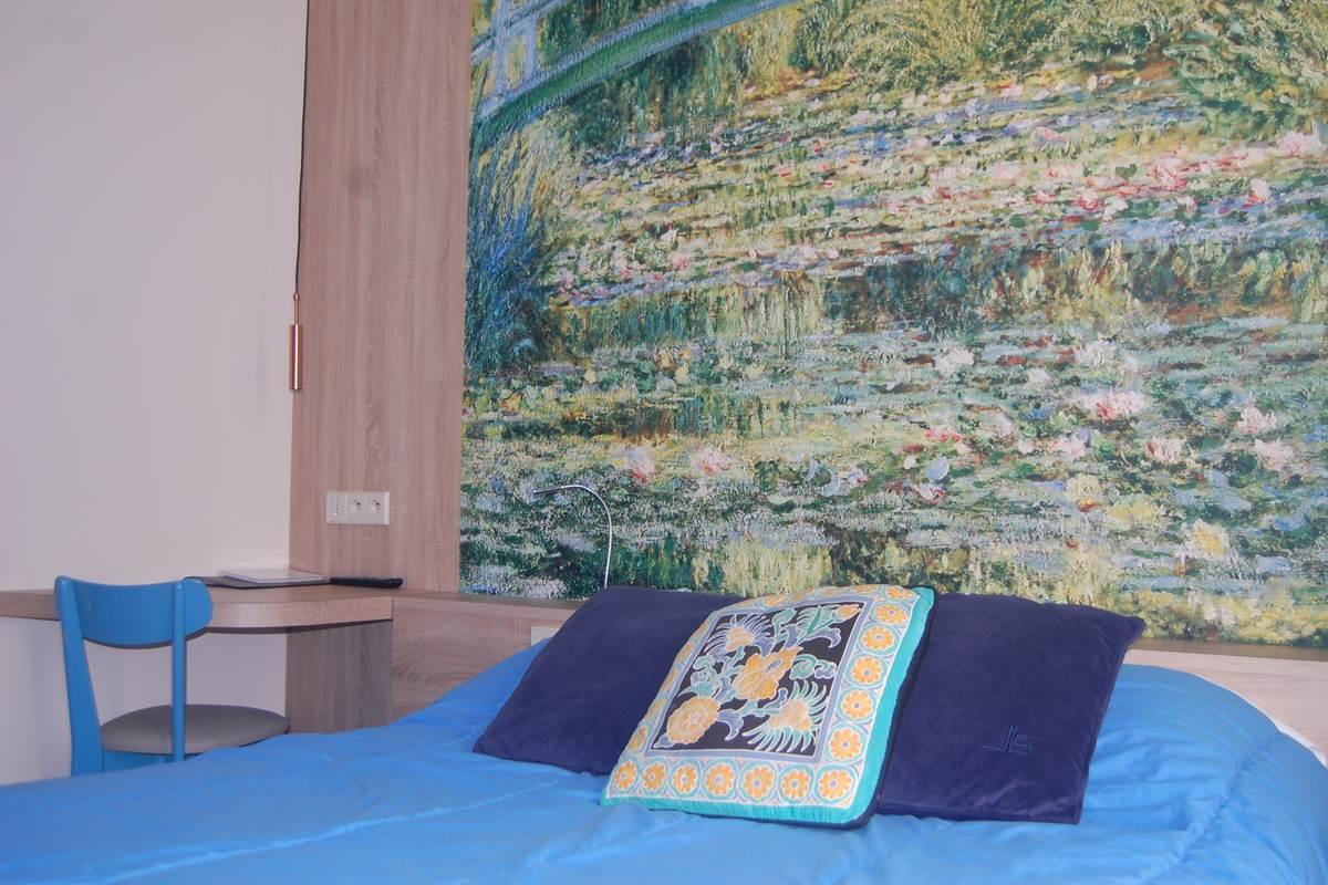 Chambre GL hôtel 2 étoiles paris 6ème arrondissement métro rennes