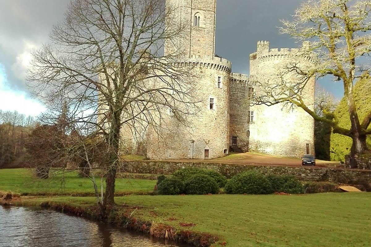 château de Montbrun - PNR Périgord-Limousin - Haute Vienne tourisme