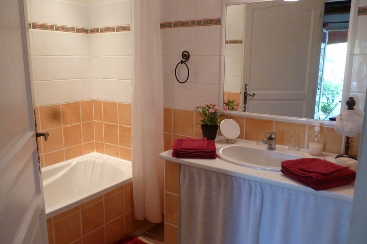 Salle de bain Chambre Griotte (2)