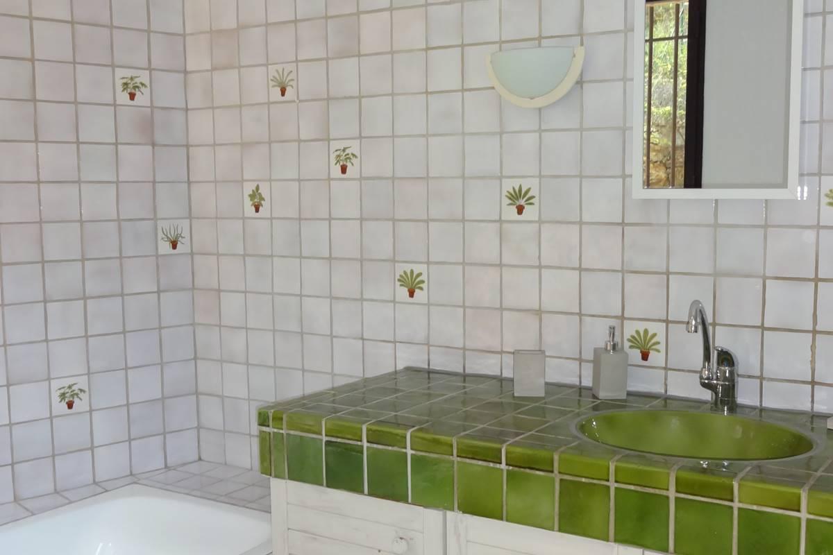 la salle de bains de la suite 1