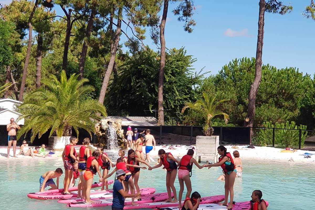 Activité Stand Up paddle sur le lagon
