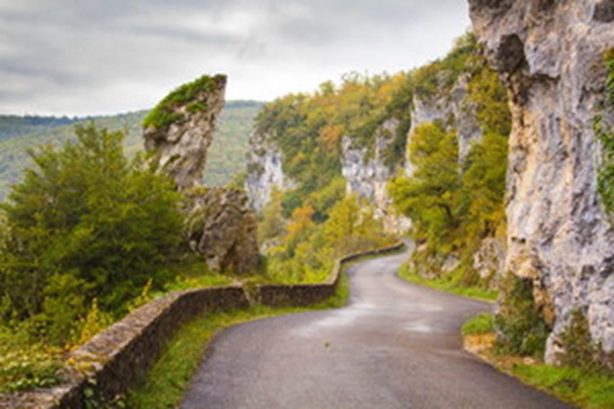 Route de la falaise à Bouzies