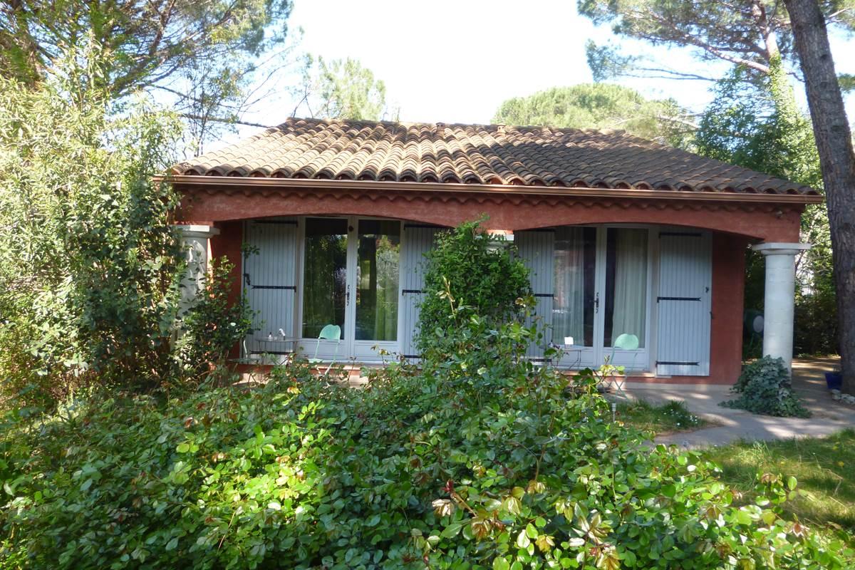 Les chambres avec terrasses donnant sur le jardin (2)