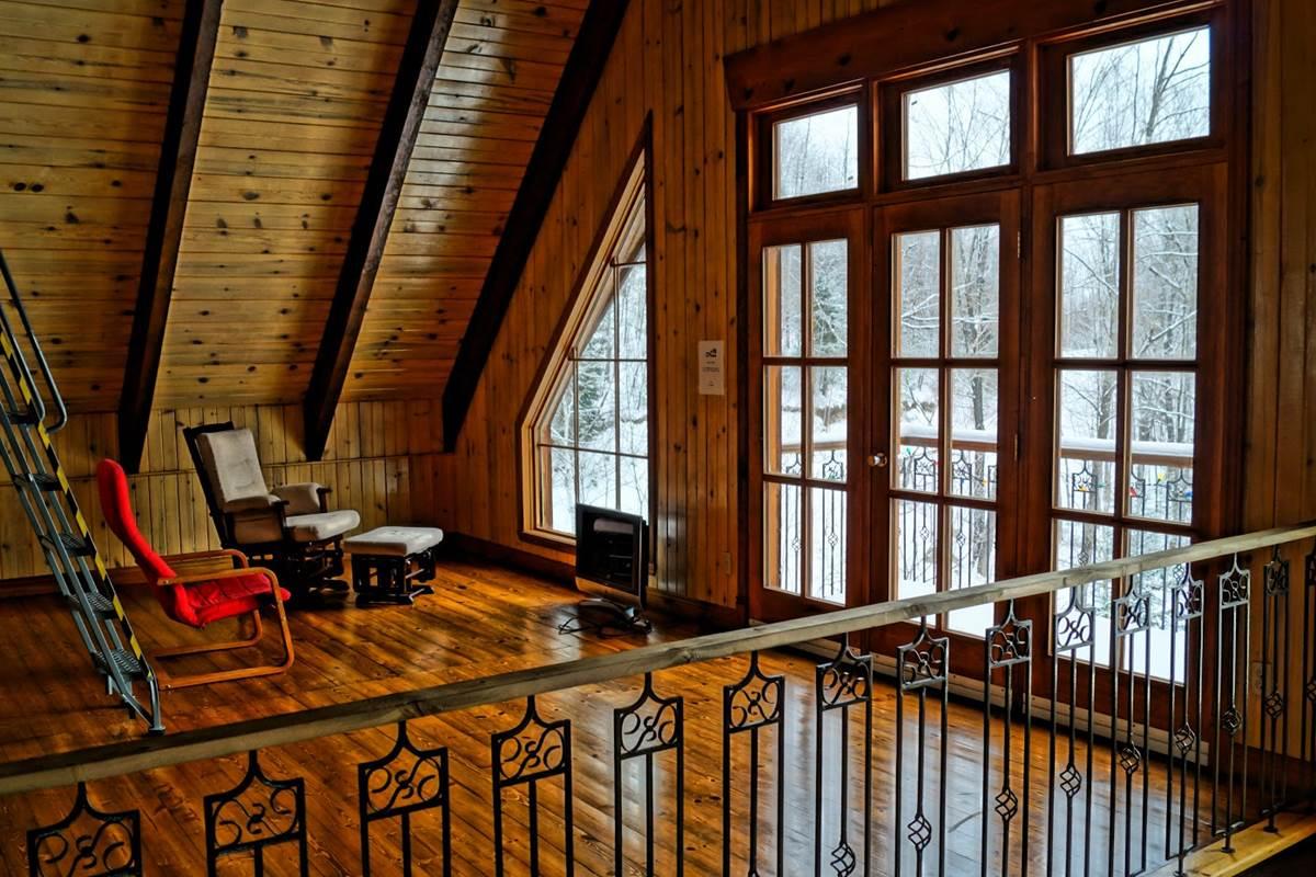 possibilité de rajouter des lits a cet étage au chalet de l'auberge du Lac Thomas