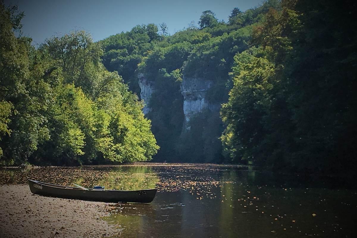randonnée canoë 3 jours en autonomie sur la Vézère avec Canoë Family