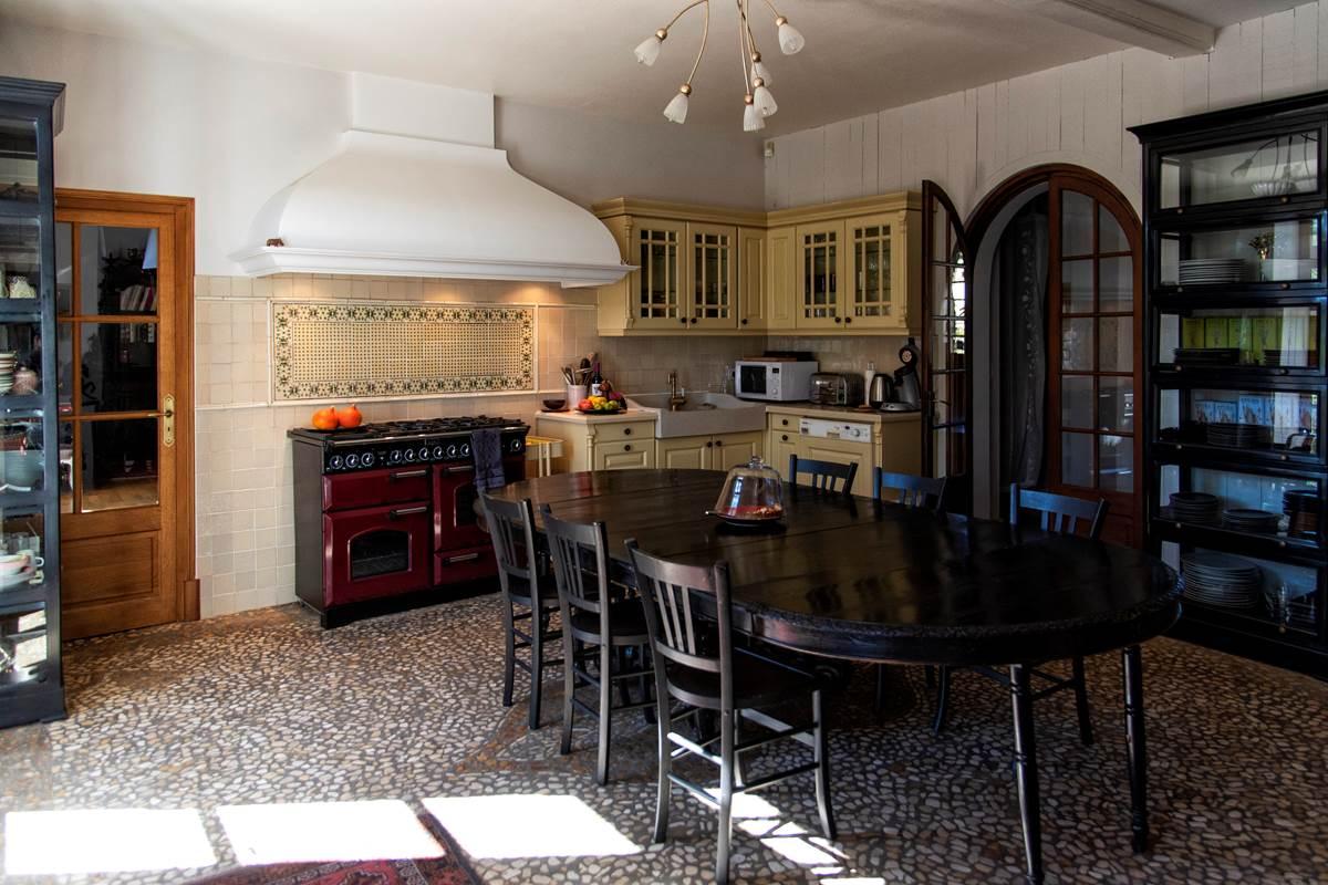 cuisine grande maison (c) M Dartenset
