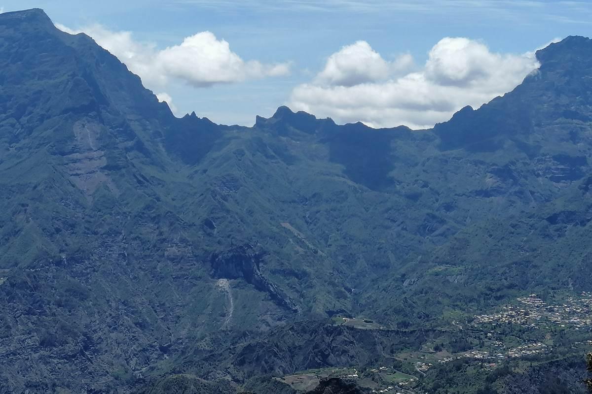 vue sur Cilaos depuis le Dimitile