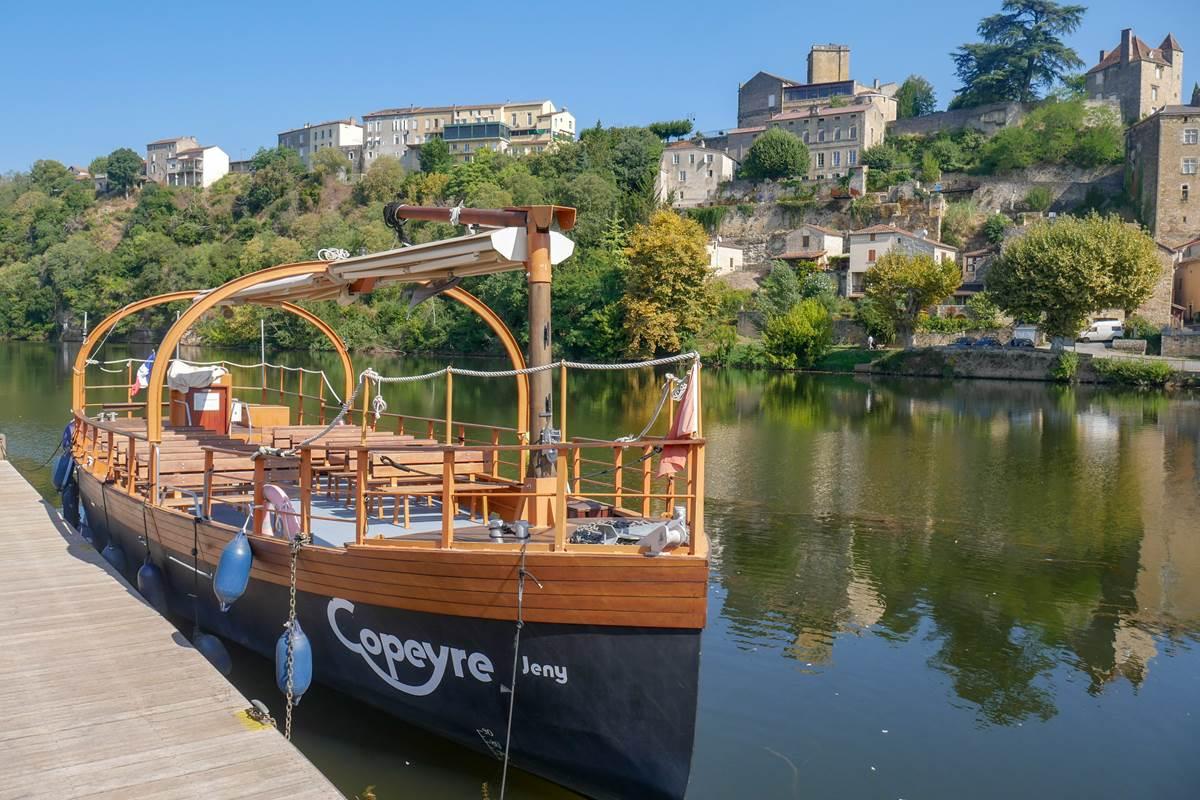 Gabarre à Puy l_Evêque Lot Tourisme - C