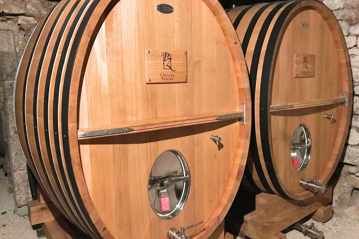 Le vieillissement du vin dans des foudres de chêne