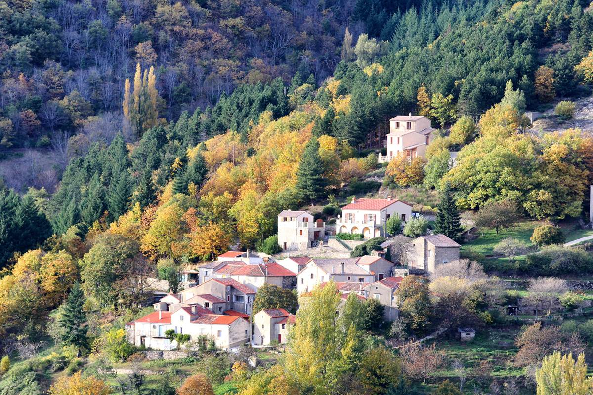 sudceven-village-peyraube