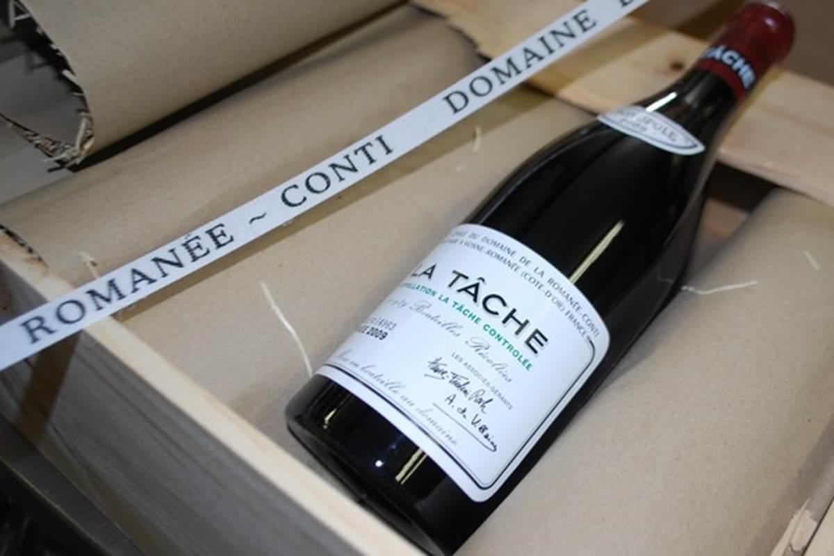 La Tâche du Domaine de la Romanée-Conti, un vin d'exception dans la Cave du Ranch des Lacs