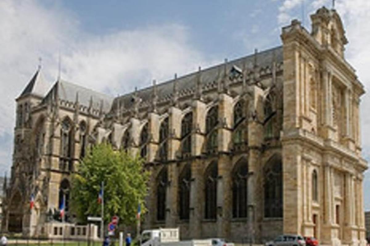 Cathe-drale-Saint-Etienne