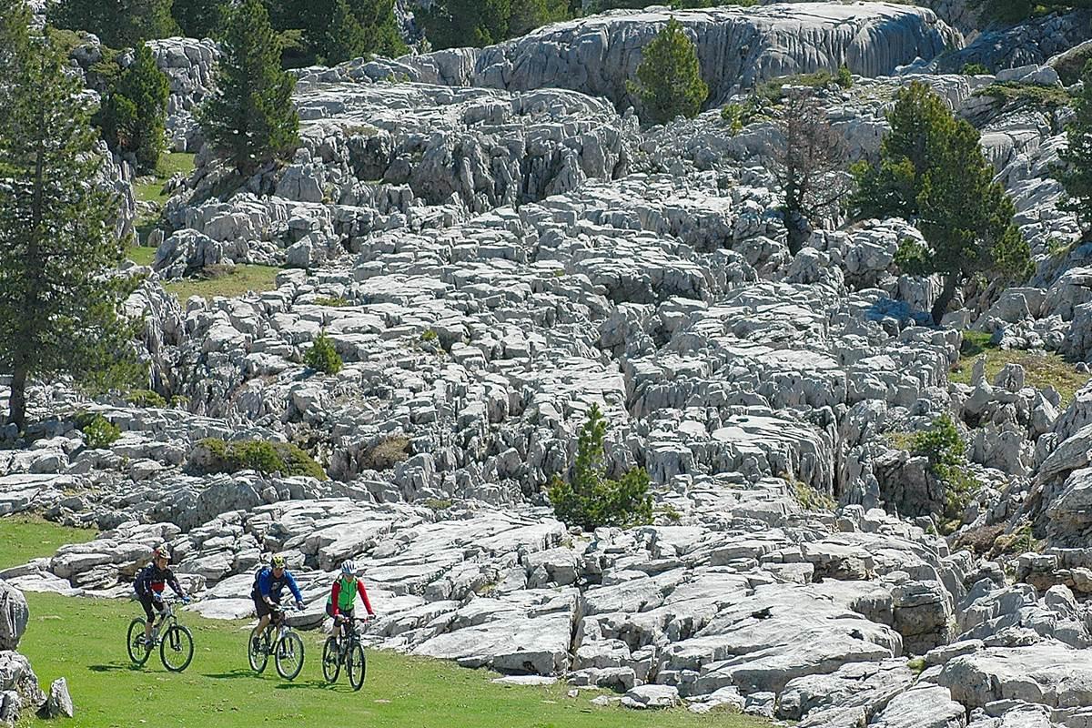 grands cols pyrénéens Pierre-St-Martin-cave