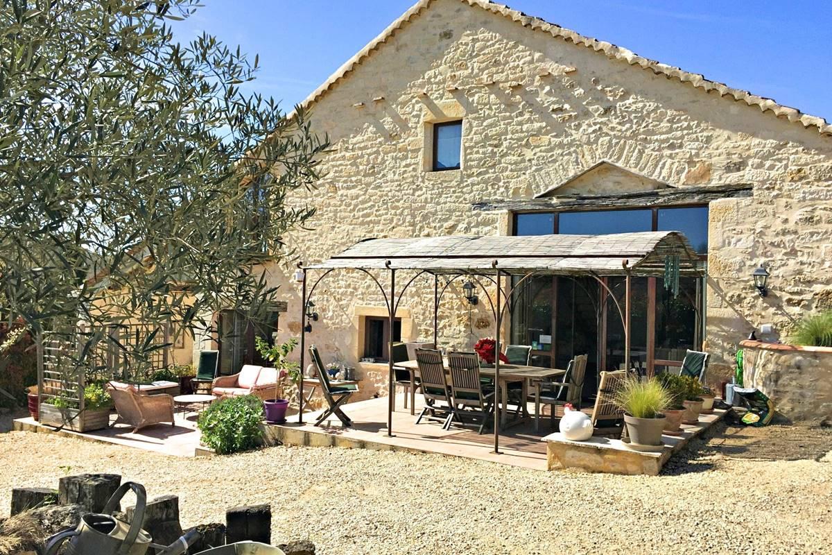 Une maison de charme en  pierre du Quercy Blanc