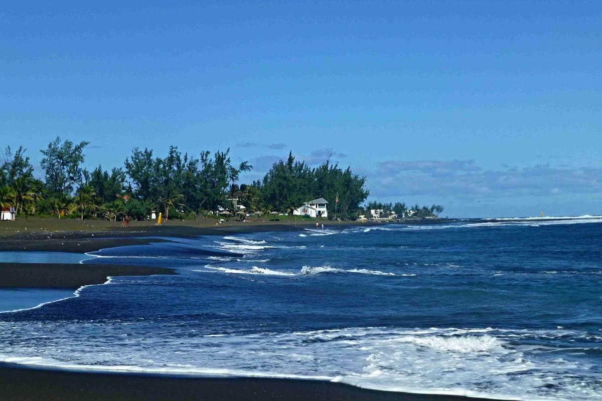 la plage de l'Etang Salé