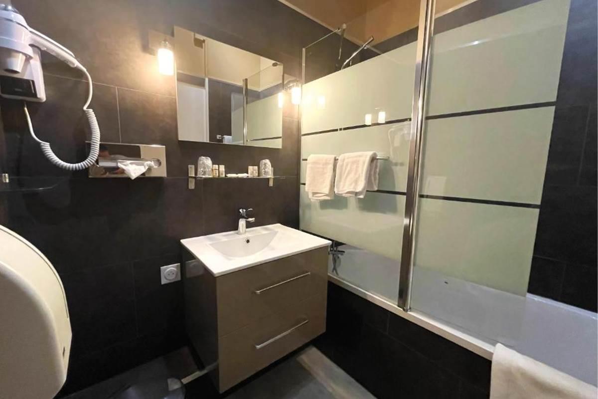 Chambre Supérieure - Salle de bain