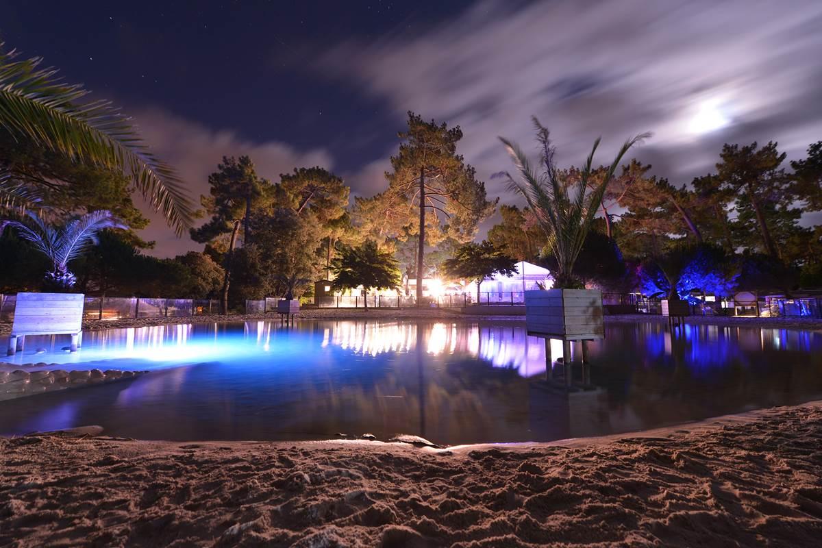 Le Lagon naturel la nuit - Camping Les Pins - Ile d'Oléron