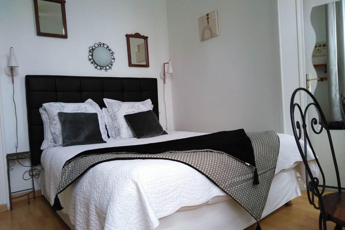 chambre 2 personnes lit queen size