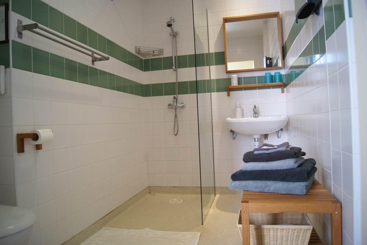 chambre 2 - salle de bain