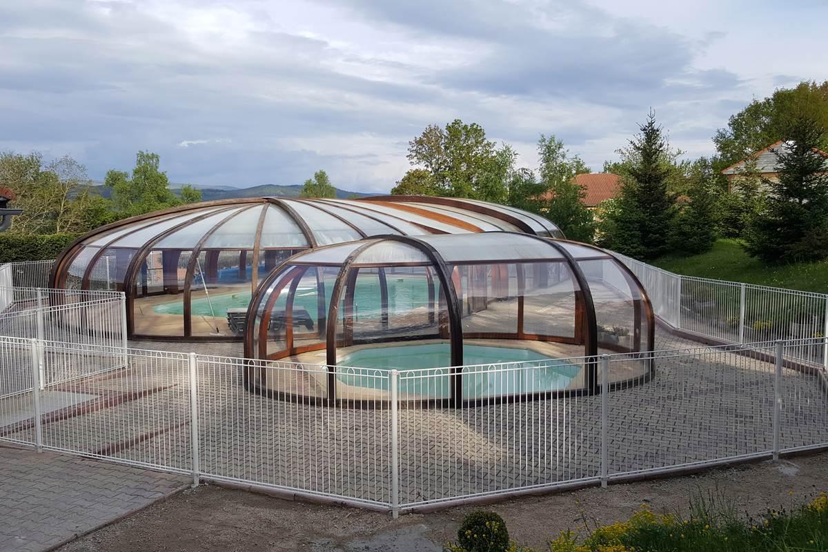 Un aperçu de l'espace piscine